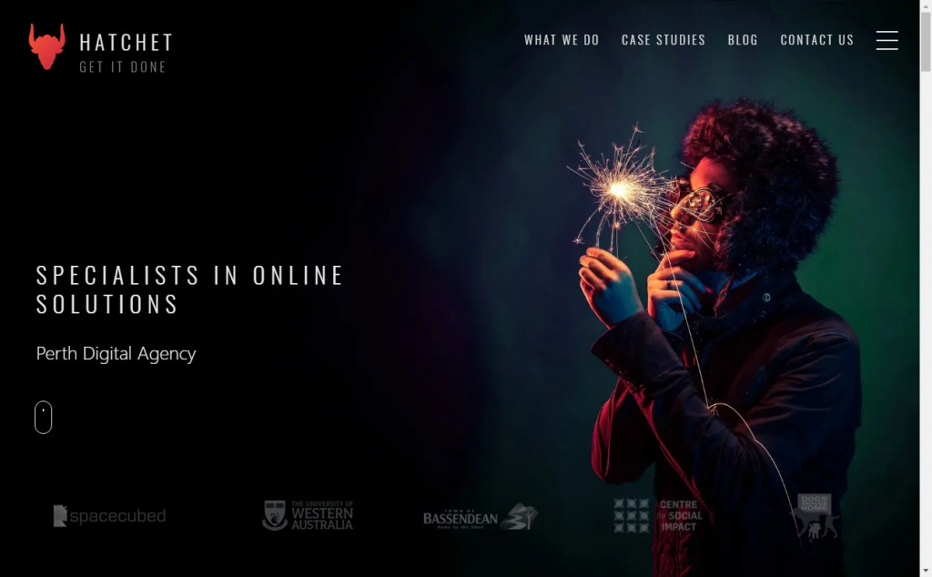 Black and Red Color Web Site Design Inspirations 20